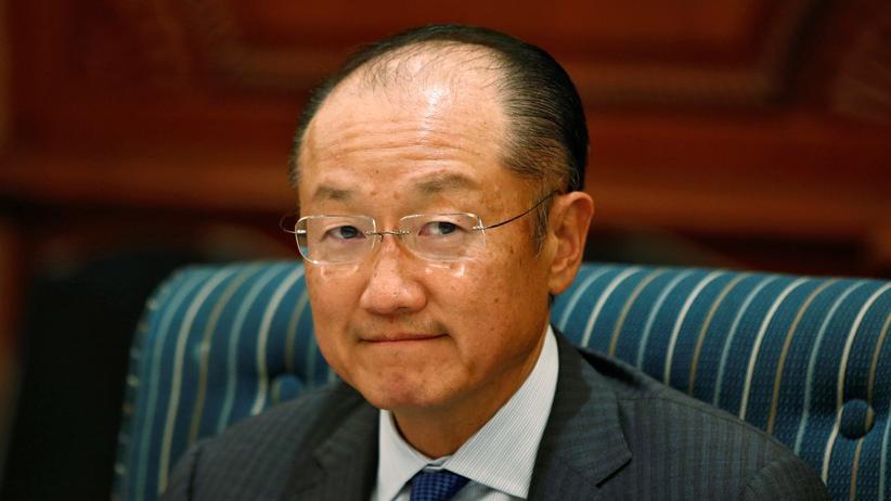 Weltbank-Präsident Jim Yong Kim muss sich gegen Vorwürfe wehren.
