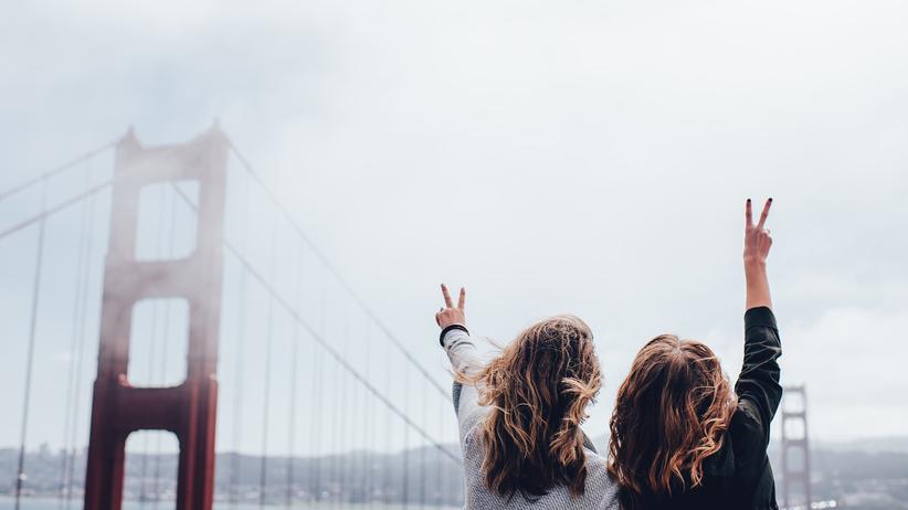 World Economic Forum: Jugendliche vor der Golden-Gate-Bridge in San Francisco