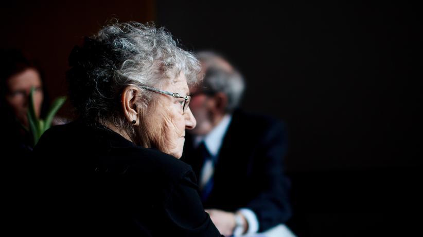 Altersvorsorge: Das Rentenniveau wird weiter sinken, auf voraussichtlich 44 Prozent in 2030.