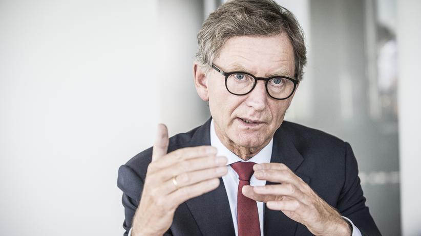 """Alexander Erdland: """"Wir versichern auch selbstfahrende Autos"""""""