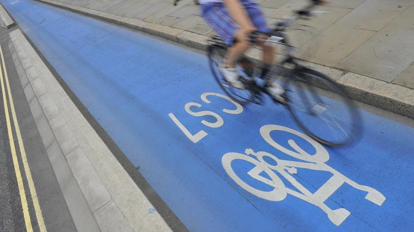 Radfahren: Ein Fahrradweg in London