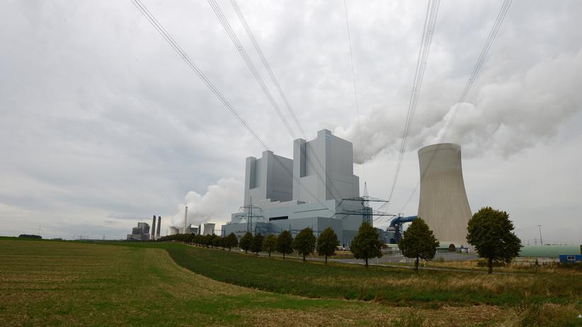 Strompreise: RWE-Kohlekraftwerk in der Nähe von Aachen.
