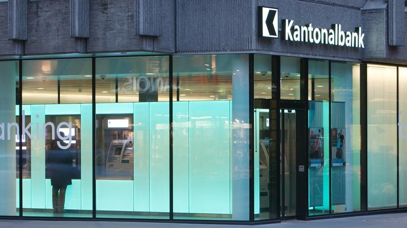Nordrhein-Westfalen: Eine Filiale der Basler Kantonalbank, die über 37 Millionen Euro Bußgeld an NRW zahlte.