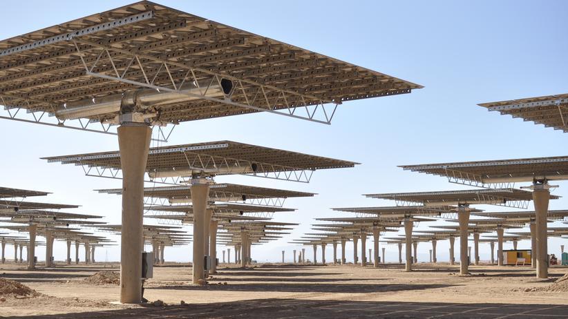 Ouarzazate: Noch im Bau: Die Solarfarm Noor III in der marokkanischen Wüste