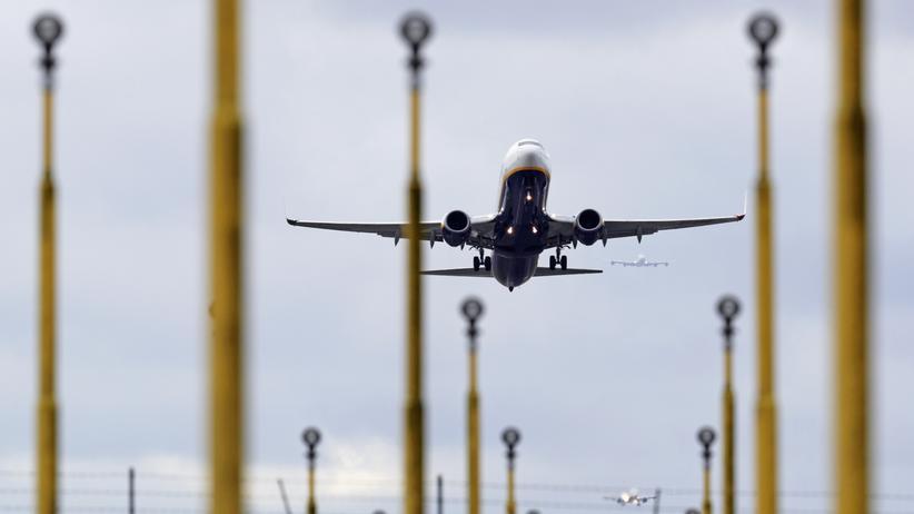 Flughafen Frankfurt: Ein Ryanair-Flugzeug beim Start in London