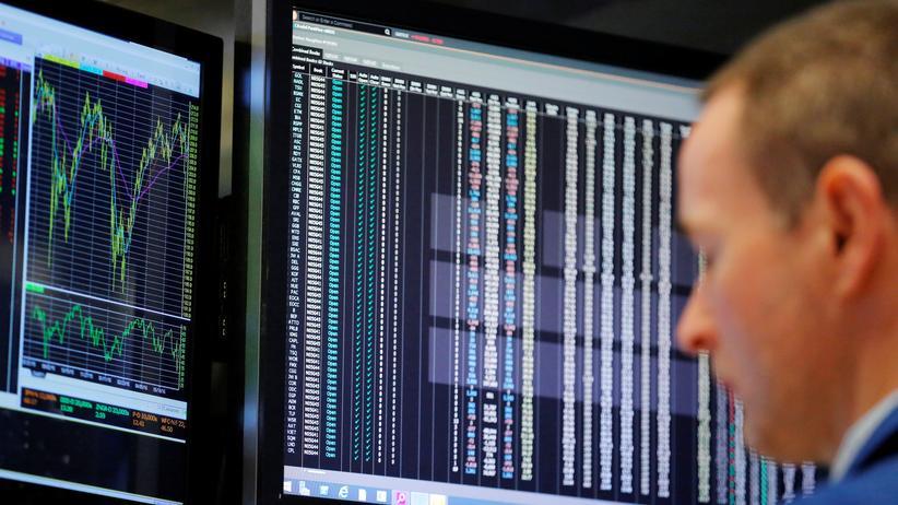 Geldanlage: Ohne Computer geht auch hier nichts mehr: Ein Händler der New Yorker Börse bei der Arbeit