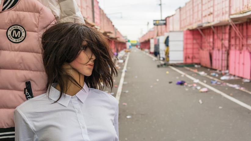 Odessa: Nach Feierabend: Die Rosa Straße auf dem Schwarzmarkt von Odessa