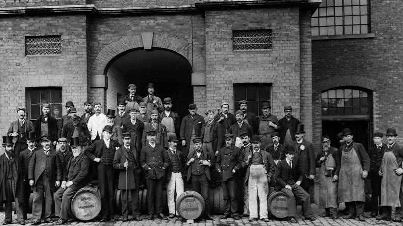 Ökonomie: Fragen sozialer Gerechtigkeit sind immer subjektiver Natur: Dockarbeiter in London, circa 1910