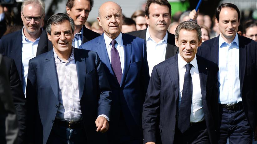 Korruption in Frankreich: Konservative unter sich: François Fillon (l.) und Nicolas Sarkozy bei einem Treffen in La Baule 2015