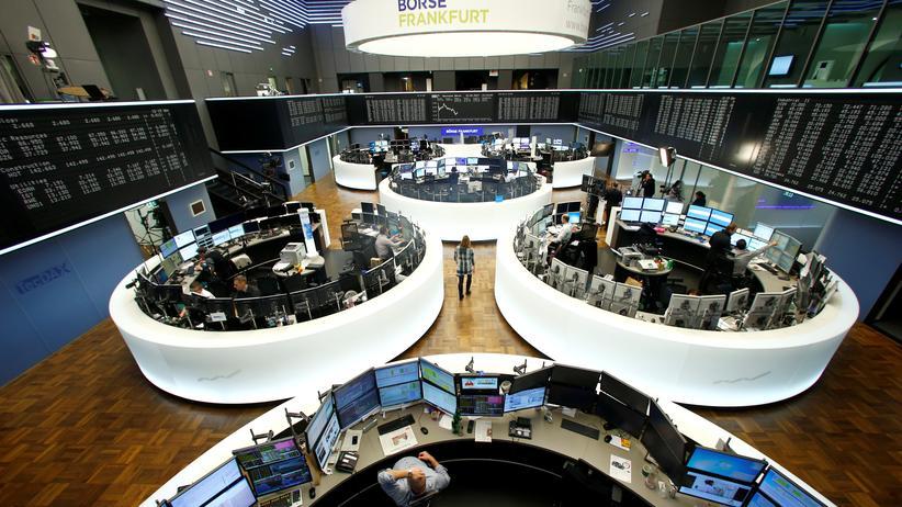Abgeltungssteuer: Händler in der Börse Frankfurt, aufgenommen im Februar 2017