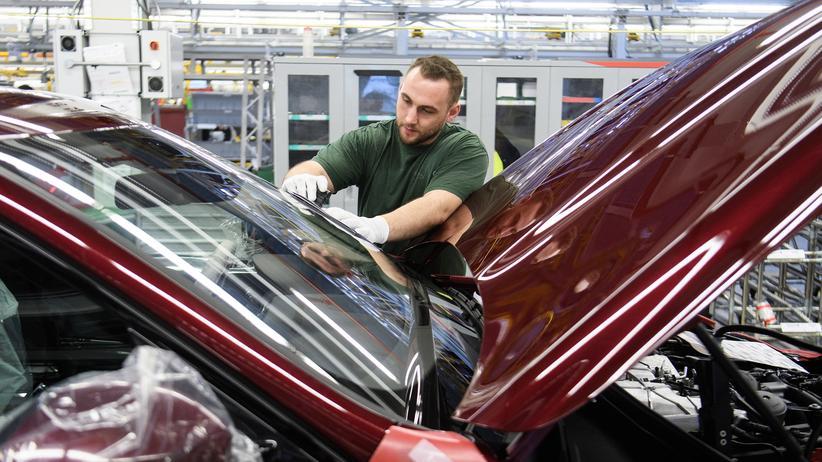 Konjunktur: Die Produktion von Jaguar Land-Rover in England