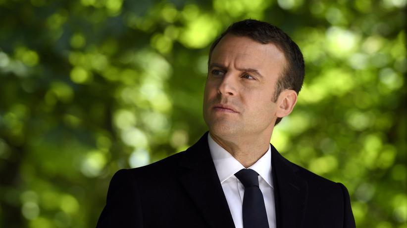 Emmanuel Macron: Emmanuel Macron während der Gedenkfeier zum Ende des Zweiten Weltkriegs in Paris