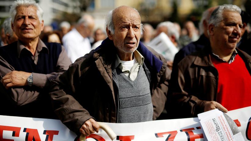 Finanzkrise: Rentner protestieren in Athen gegen die geplanten Sparmaßnahmen