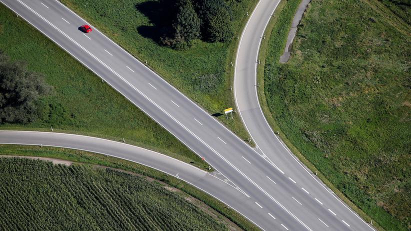 Pkw-Maut: Bleibt die Autobahn B471 bei Dachau auch in Zukunft gebührenfrei? Für das Bundesfinanzministerium scheint die Pkw-Maut zumindest eine Option zu sein.