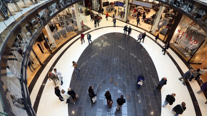 Steuerschätzung: Was bleibt vom Brutto? Einigen genug, um wie hier im Einkaufszentrum Mall of Berlin shoppen gehen zu können.