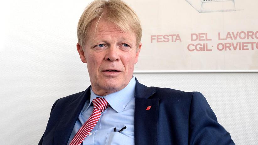 Reiner Hoffmann: Reiner Hoffmann wünscht sich mehr Ehrlichkeit in der Debatte um due EU.