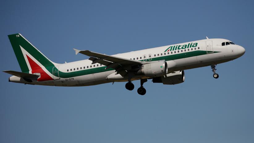 Fluglinie: Die irische Billigfluglinie hat ein Verkaufsangebot für Alitalia abgegeben.