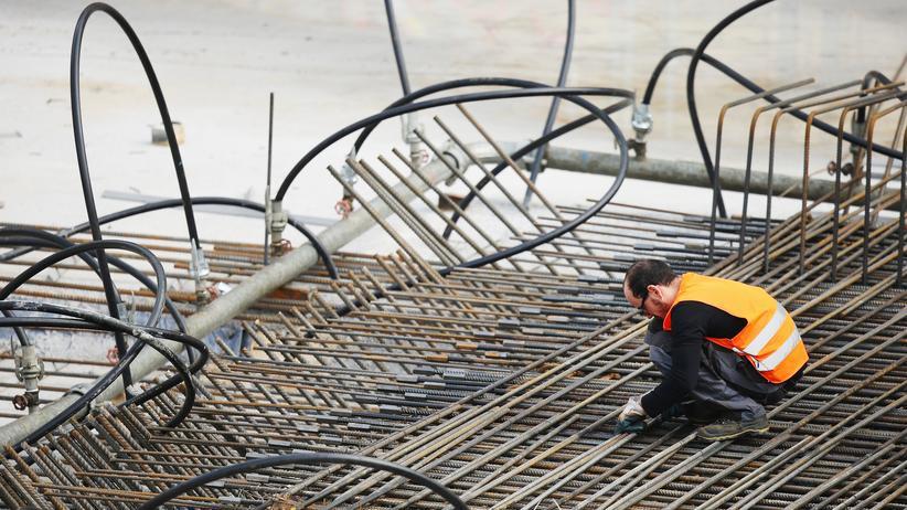 Arbeitsmarkt: Vor allem das Baugewerbe sucht nach Personal.