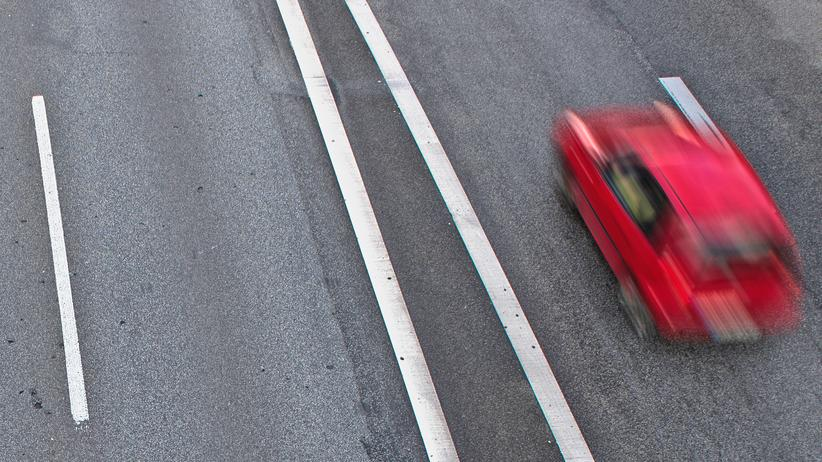 Autobahnen: Auf einer Stadtautobahn in Berlin