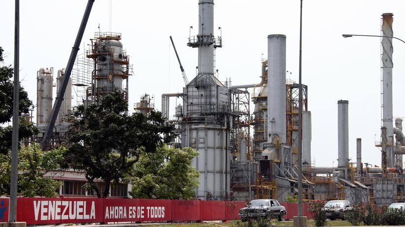 Ölpreis: Raffinerie in der venezolanischen Stadt Morón