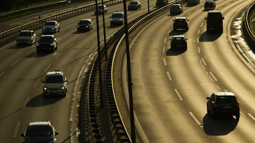 Diesel-Fahrverbote: Fahrzeuge auf einer Autobahn