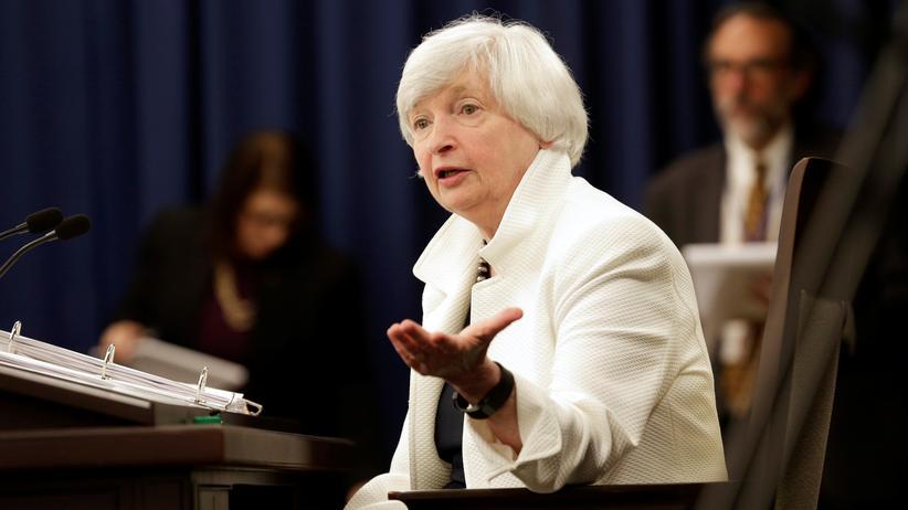 Fed-Chefin Janet Yellen strafft die Geldpolitik.