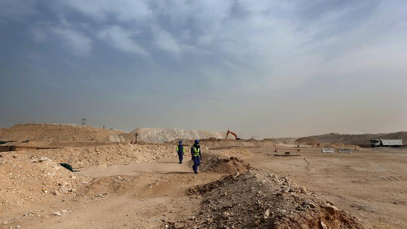 Katar: Ausländische Arbeiter auf der Baustelle für ein WM-Stadion in Katar
