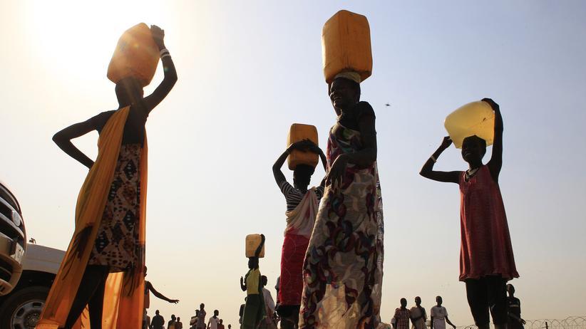 Klimaschutz: Trinkwasser für alle statt schmutzige Energie