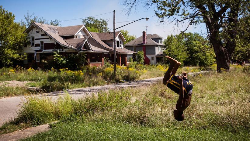 Rassismus in den USA: In einer Nachbarschaft in der Innenstadt von Detroit, im September 2013. Damals hatte die Stadt gerade Insolvenz angemeldet.