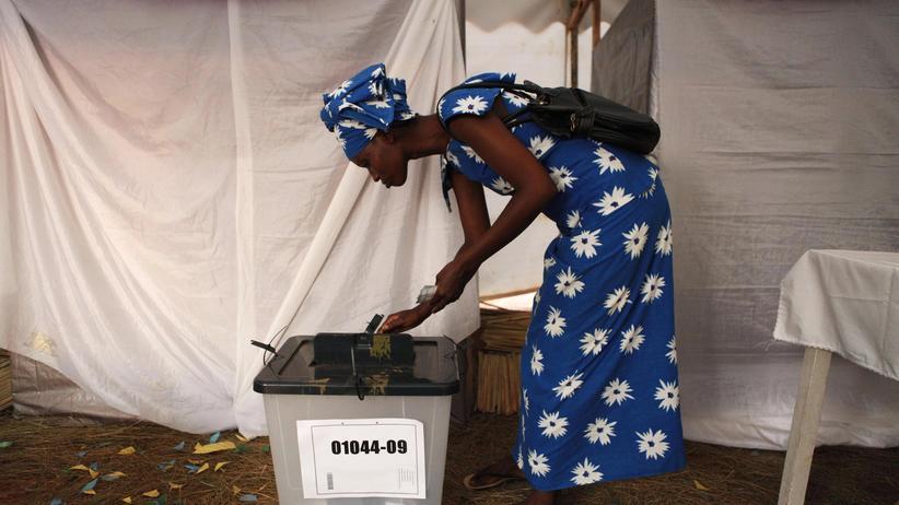 In Ruanda haben Frauen und Männer in den Bereichen Bildung, Politik und Wirtschaft nahezu gleiche Chancen.