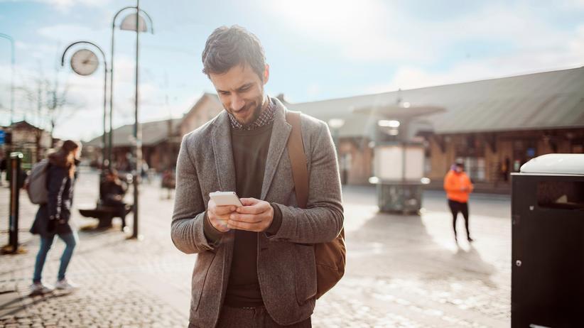 Fintech: Bei den digitalen Banken kann der Kunde den Überweisungsverkehr per App abwickeln.