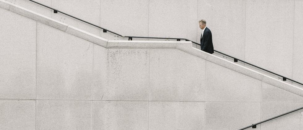 Die 40-Stunden-Woche als Normarbeitszeit? Die meisten Beschäftigten würden gern weniger arbeiten, die Arbeitgeber die Ruhezeiten lockern.