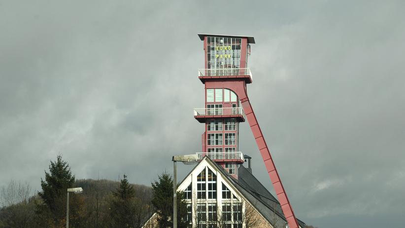 Lithium: Der Förderturm des stillgelegten Bergwerks in Altenberg