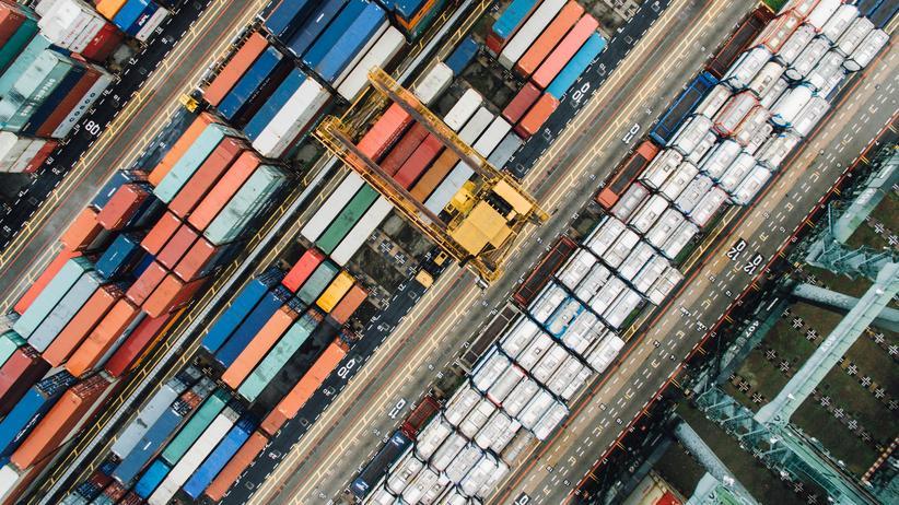 Konjunktur: Neben der Binnennachfrage zog 2017 dank der Erholung der Weltwirtschaft auch im Ausland die Nachfrage nach deutschen Produkten wieder an.