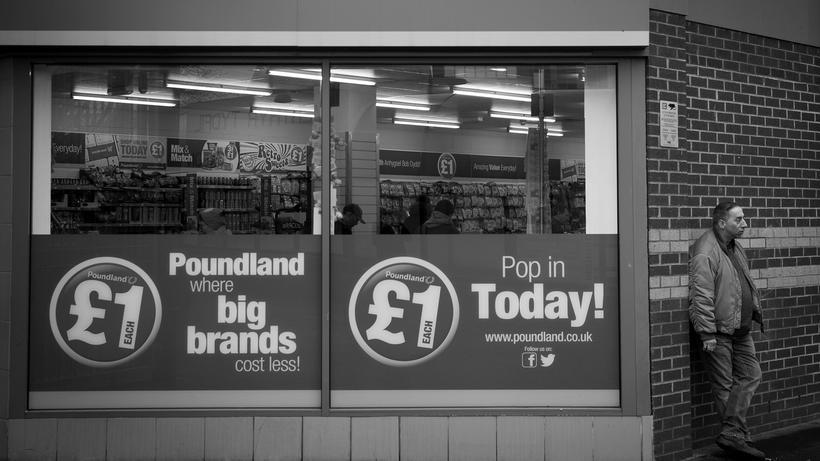 Brexit: Alles für einen Pfund: Billigladen im Stadtzentrum von Merthyr Tydfil