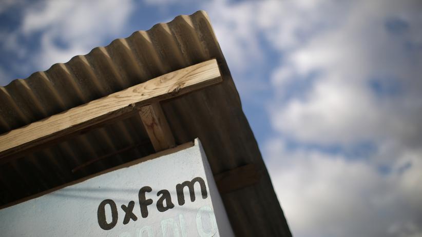 Sexskandal: Ein Verteilungsstand von Oxfam in einem Lager für die durch das Erdbeben Vertriebenen in Port-au-Prince, Haiti