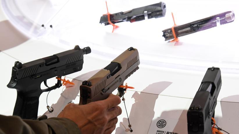 Waffenhandel: Eine Pistole von Sig Sauer auf einer Kleinwaffenmesse in Las Vegas, USA.
