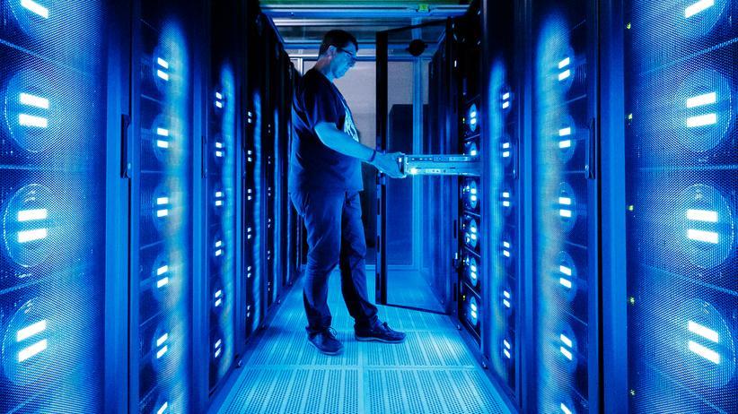 """Mint-Berufe:  """"Vor allem IT-Fachkräfte werden für die Gestaltung des digitalen Wandels in den Unternehmen händeringend gesucht"""", heißt es in der Studie."""