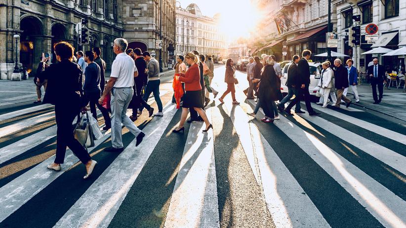 Sozialversicherungsreform in Österreich: Passanten in Wien