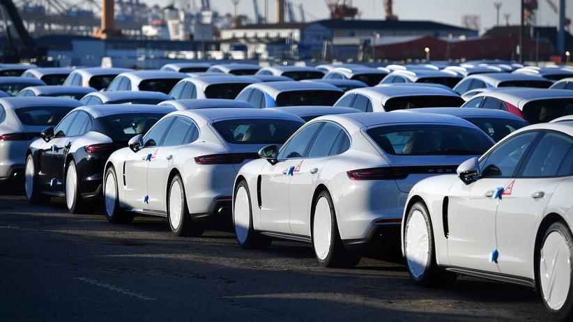 Handelsstreit mit den USA: Fahrzeuge von Porsche bereit zum Export in Bremerhafen