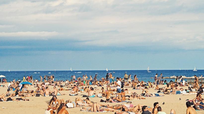 Urlaubsgeld: Bisschen mehr für die Reisekasse? Bekommen nicht alle Arbeitnehmerinnen und Arbeitnehmer in Deutschland.