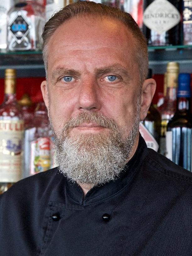 Fachkräftemangel: Ralf Felder führt ein Restaurant in Friedrichshafen am Bodensee.