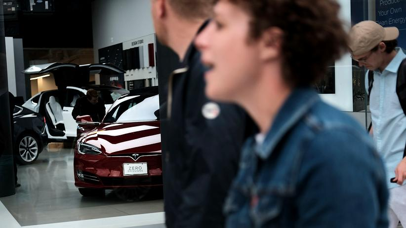 Elektroautohersteller: Elon Musk erwägt Börsen-Aus für Tesla