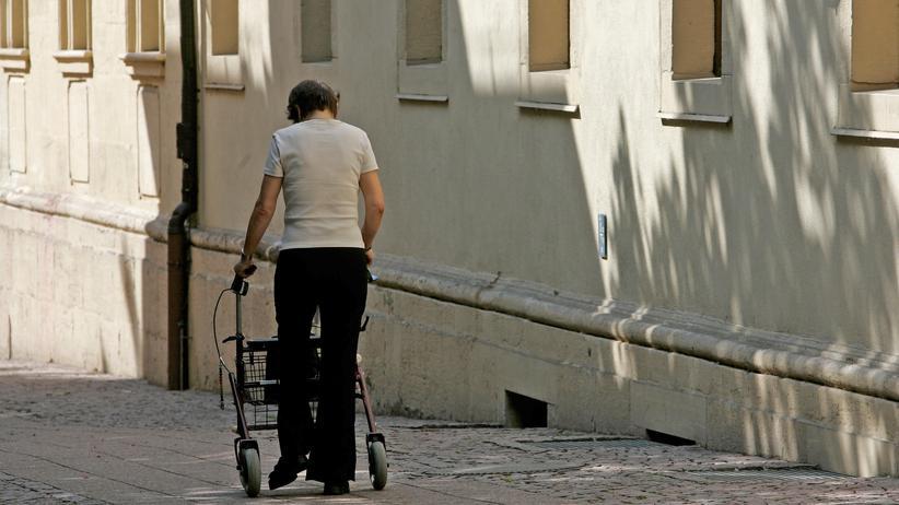 Altersvorsorge: Älteren Arbeitnehmern droht Armut beim Renteneintritt