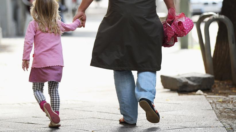Statistisches Bundesamt: Vater mit Tochter in Berlin