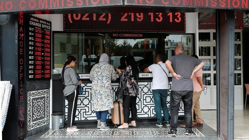 Türkei: Zentralbank erhöht Leitzins auf 24 Prozent