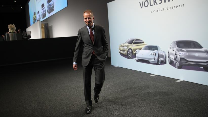 Dienstwagenregelung: Volkswagen-Chef Herbert Diess auf der Hauptversammlung des Konzerns Anfang Mai in Berlin