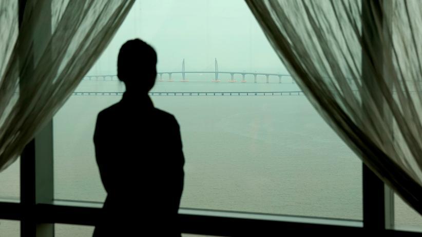 Hongkong: Weltweit längste Brücke in China eröffnet
