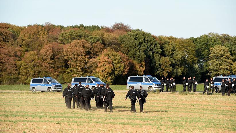 Verwaltungsgericht Aachen: Gericht hebt Demonstrationsverbot am Hambacher Forst auf