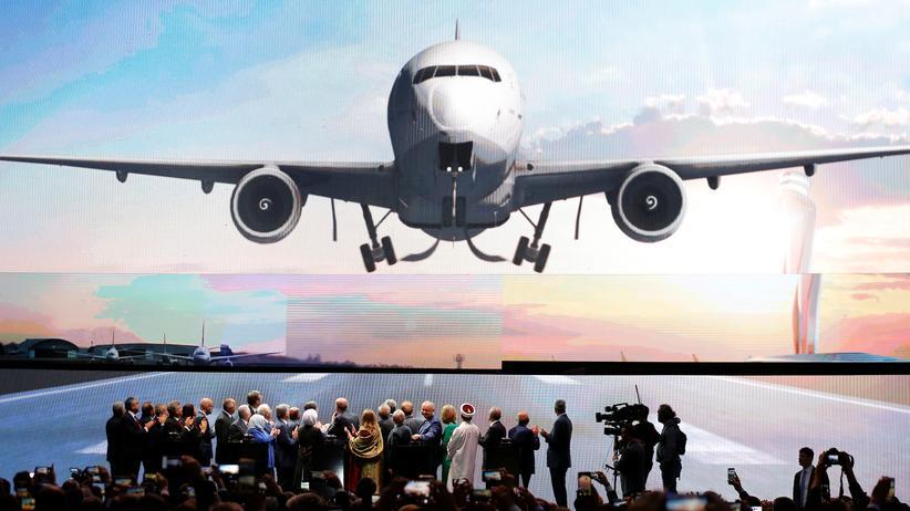 Istanbul: Erdoğan eröffnet Großflughafen